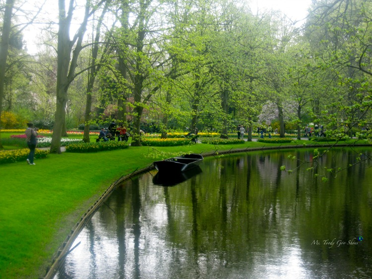 Keukenhof Gardens, outside of Amsterdam, in The Netherlands is a glorious place to spend a day | Ms. Toody Goo Shoes