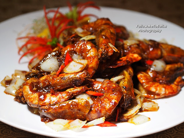 Wok-fried Tiger Prawns With Chef's Signature Sauce
