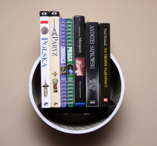 """Półka na książki - """"Żółta Strona"""" od Artillo"""
