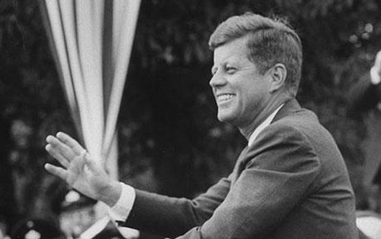 "A Greenpeace video ""resurrects"" President Kennedy to launch campaign of the Energy Revolution"