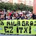 Cientos hacen pitada ante el Ayuntamiento a la espera de las explicaciones de la alcaldesa