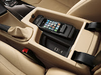 2013 BMW 3-Series (F30) Interior Detail Large Storage Compartment in Center Console