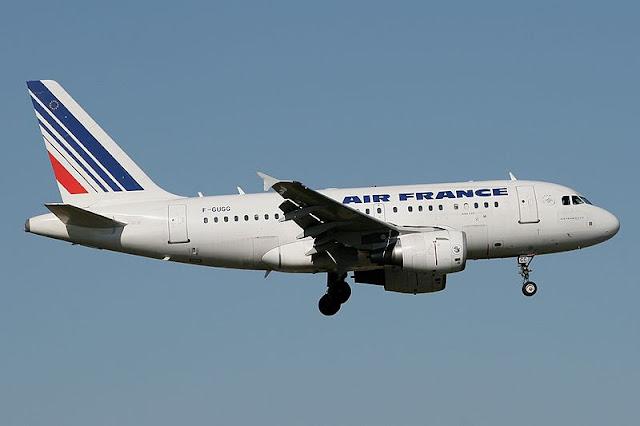 Gambar Pesawat Airbus A318 09