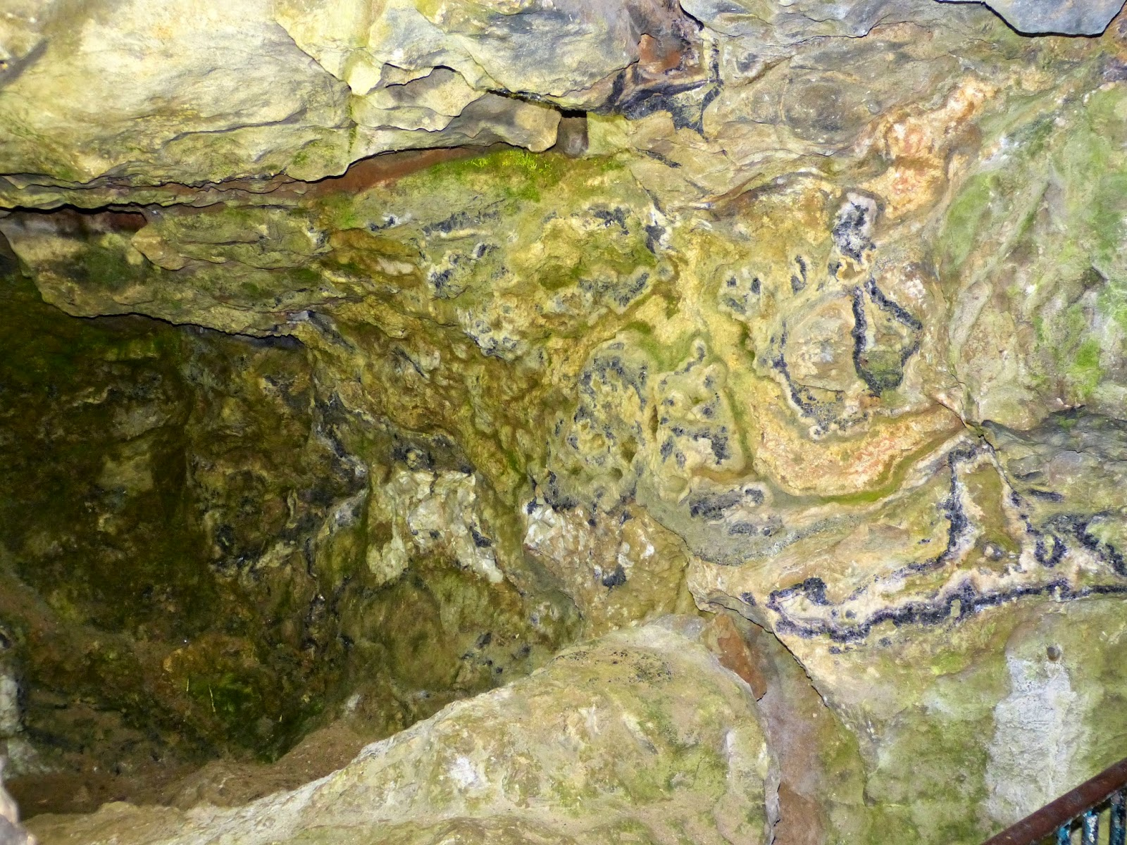 Blue John vein in the rock, Blue John Cavern
