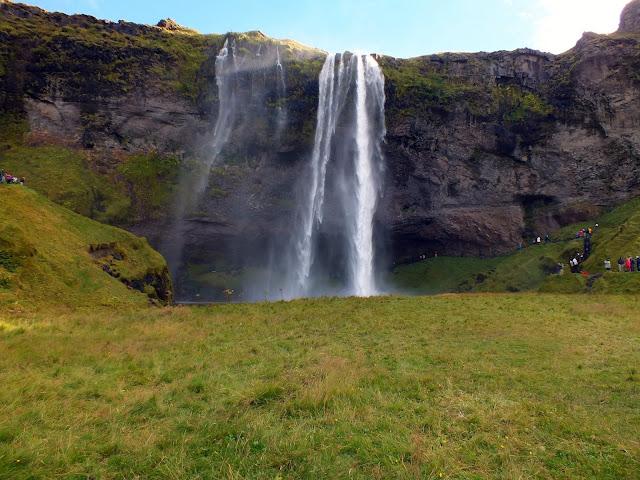 cascada que se puede caminar por detrás Islandia
