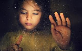 Se les llama Niños Cristal no por el color del aura, sino por su alta vibración; además de poseer una mente muy ágil, intuitiva.