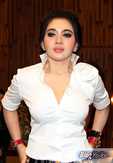 Model artis indonesia bugil - porno photograph