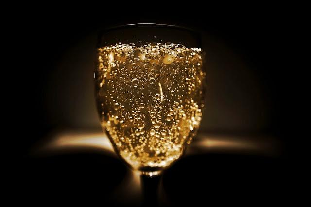 Les aliments à éliminer pour une belle peau - L'alcool - Blog beauté
