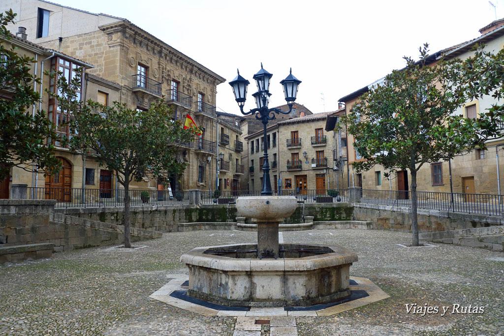 Plaza de España, Briones
