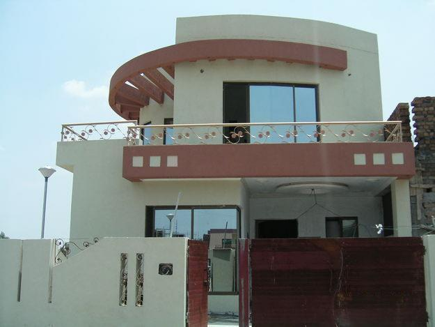 Pakistani modern homes designs front views pictures for Pakistani new home designs exterior views