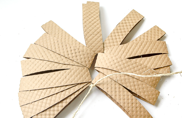 threaded cardboard coffee cup sleeves, diy pumpkins, pumpkins