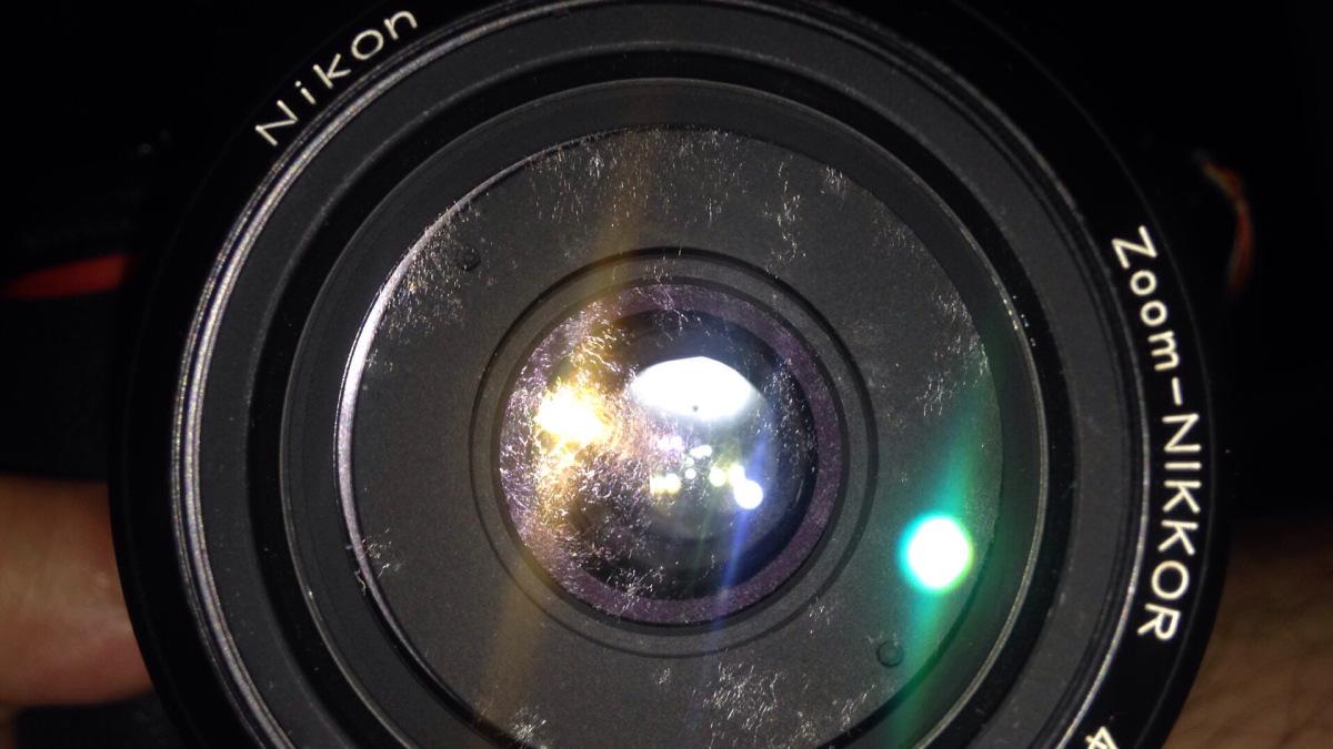 Ciri-ciri Lensa Kamera yang Berjamur