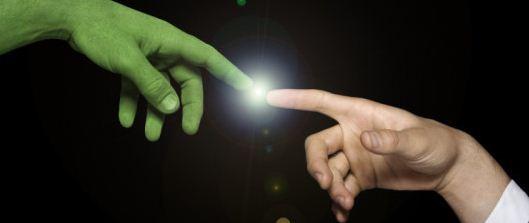 Nova teoria diz que humanos com fator Rh Negativo pertencem à uma linhagem extraterrestre