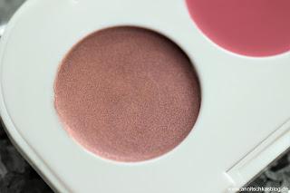 Review: 13 essence Update Produkte - Lips go WOW! - www.annitschkasblog.de