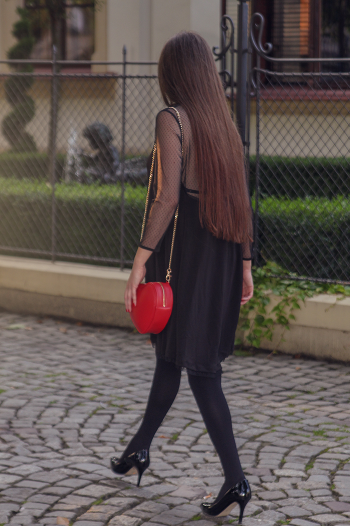 little black dress stradivarius,dots, red bag heart