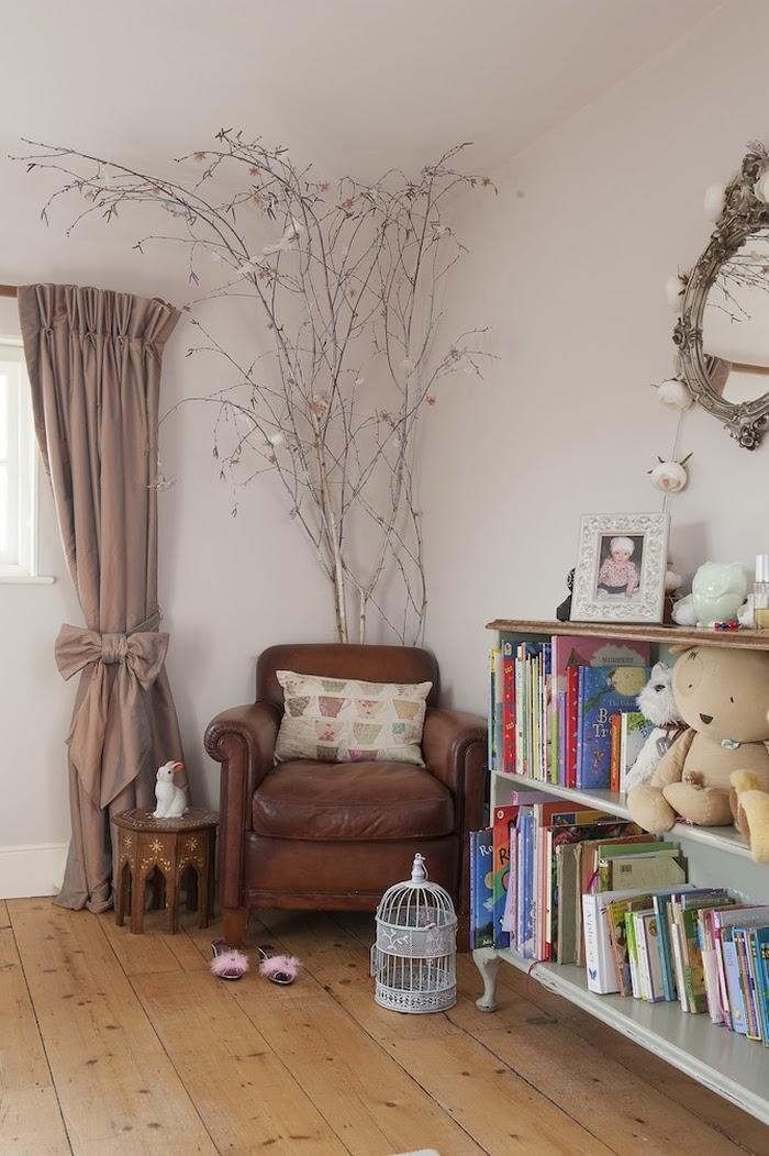 Stary, drewniany dom w Anglii, wystrój wnętrz, wnętrza, urządzanie domu, dekoracje wnętrz, aranżacja wnętrz, inspiracje wnętrz,interior design , dom i wnętrze, aranżacja mieszkania, modne wnętrza,styl francuski, styl klasyczny, styl rustykalny, stary dom, dom po remoncie, drewniane belki,