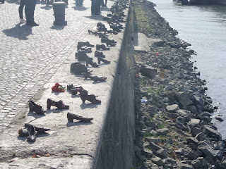 Shoes+Danube+Budapest
