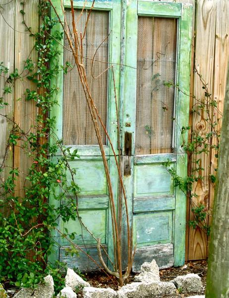 garden volume 1 using recycled salvaged materials in your garden