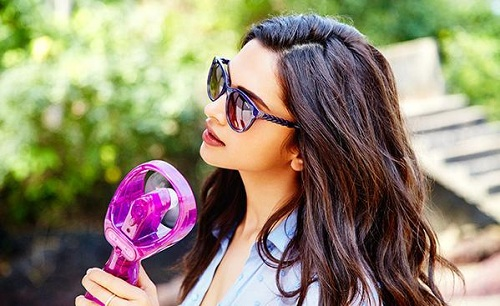 Deepika Padukone Hot Post