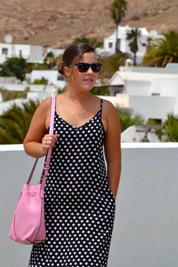 dresslily_review_summer_dresses_vestido_lunares_look_bolso_rosa_lolalolailo_06