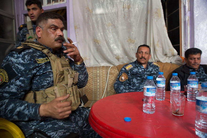 Powerful Heart-Breaking Pictures Of The Battle Of Mosul - Federal Police commanders