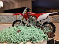 MOTORCYCLE VANILLA CAKE