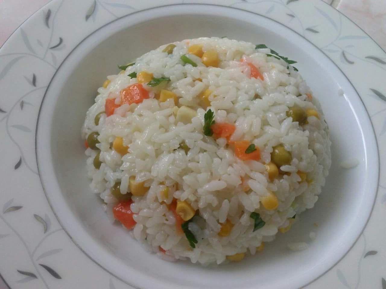 Sebzeli Pirinç Pilavı Tarifi