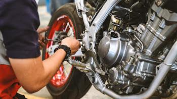 Primera revisión de tu moto en Madrid: La importancia de taller de motos de confianza