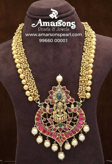 Gold Swirls Set with Lakshmi Pendant