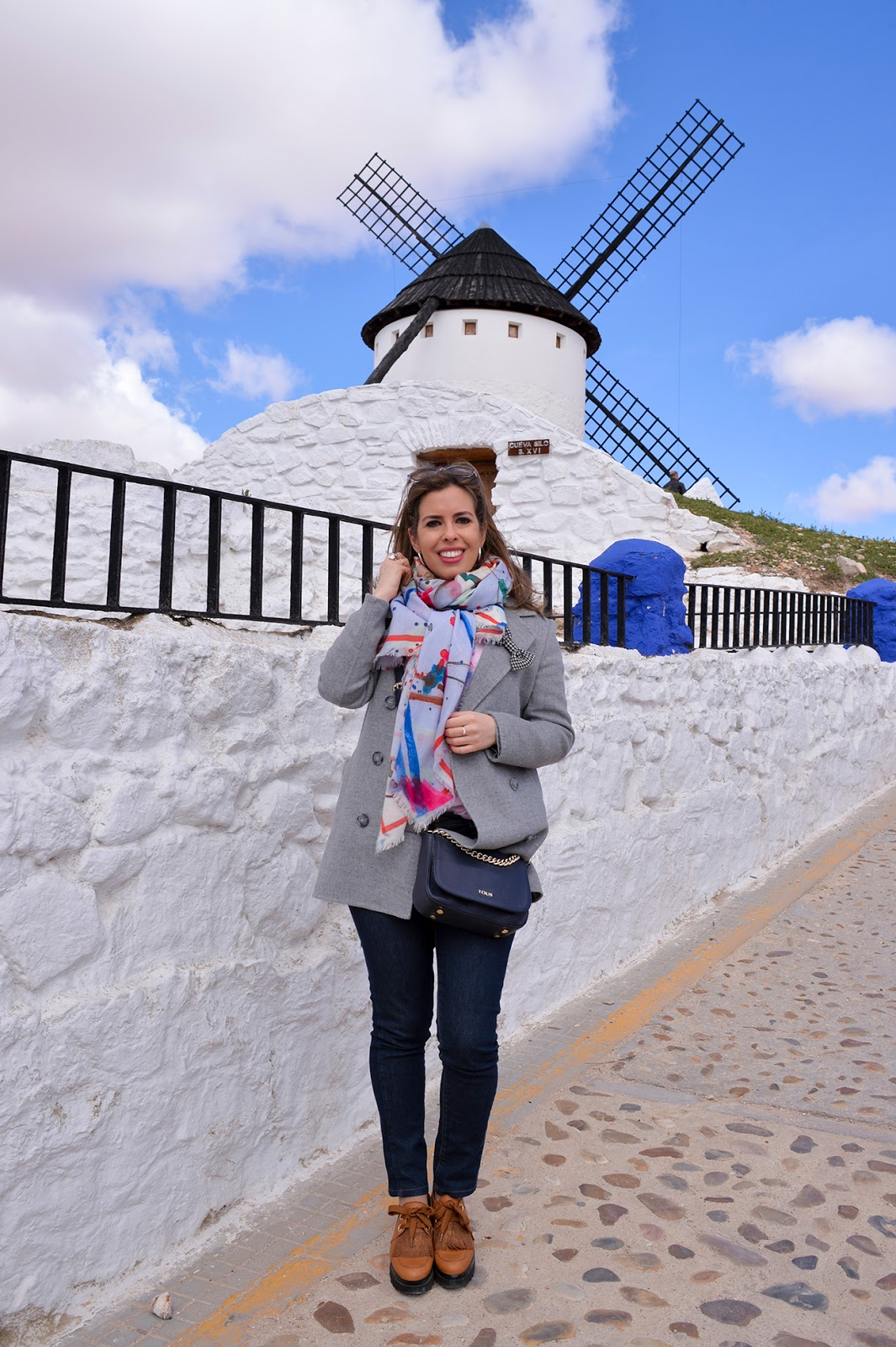 instagram worthy spots places spain instagrammable windmill campo criptana