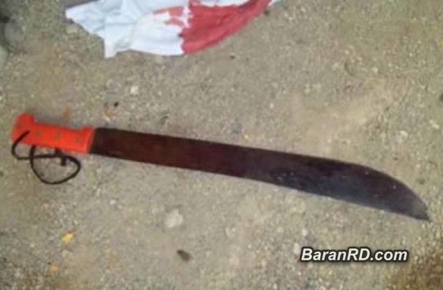 Hombre de 60 años y otro de 50 se enfrentan a machetazos por $500 pesos