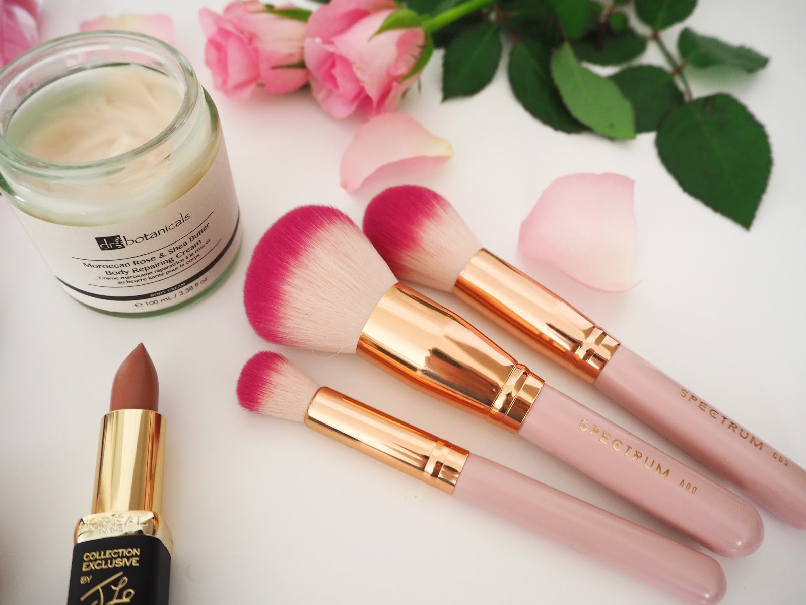 Loves List: February, Katie Kirk Loves, UK Blogger, Beauty Blogger, Make Up Blogger, Beauty Review, Skincare Blogger, Rimmel London, Yankee Candle, Spectrum Collections Brushes, Loreal Make Up, Dr Botanicals, So Fragrance, Pink Products, Pink Make Up