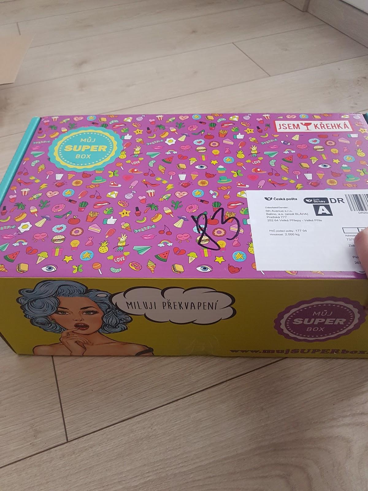 Cena tohto boxu je 449 Kč už aj s dopravou. Hodnota boxu má byť minimálne 1  200 Kč. A čo tento box obsahoval  Tak to si môžte pozrieť v dnešnom článku   -) 5776d39cd6f