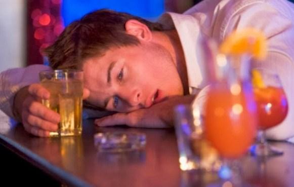 Bahaya Alkohol Bagi kesehatan Dan Kecantikan Yang Wajib Anda Ketahui