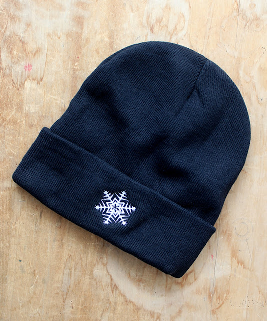 https://jimmoshirts.com/collections/winter/products/snowflake-unisex-beanie-hat