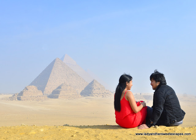 Ed and Lady at the pyramid of Giza