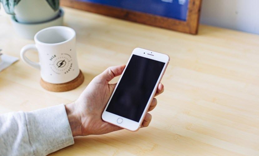 آبل تطلق برنامج إستبدال اللوحة الأم لهواتف آيفون 8