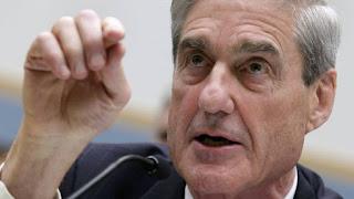 El fiscal especial, Robert Mueller, en una imagen de 2013. En vídeo, Paul Manafort se entrega al FBI. YURI GRIPAS (REUTERS) / VÍDEO: REUTERS-QUALITY