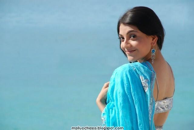 Malayalam Actress: Kajal Agarwal Latest Cute Blue Saree Stills
