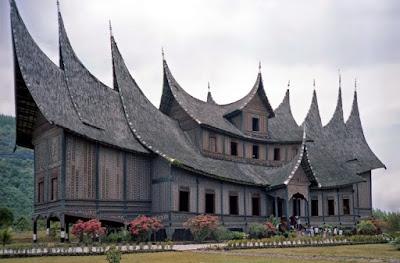Desain Asli Rumah Gadang Adat Minang