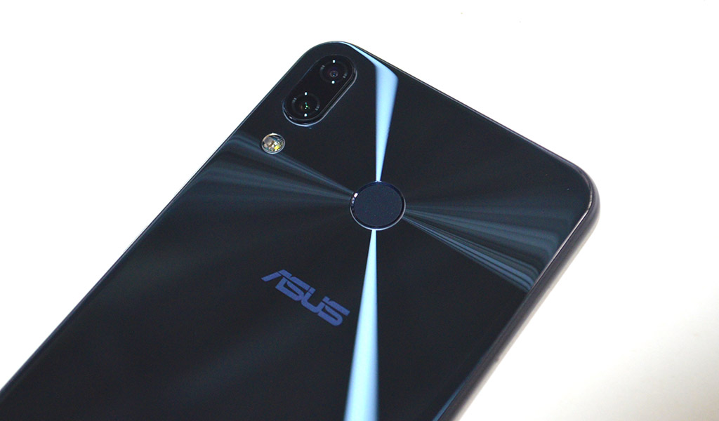 ASUS Zenfone 5 rear camera and flash