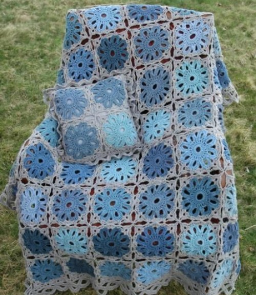 Flower Arbor Cushion & Blanket - Free Pattern