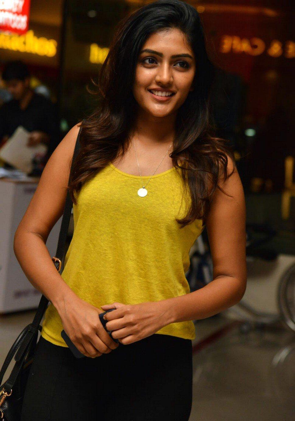 Actress EeshaRebba Latest HD Images