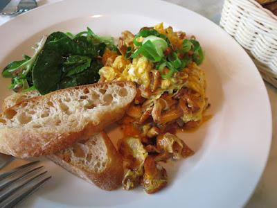 Huber's Bistro, chanterelle scrambled eggs