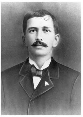 Don Demetrio H. Brid entonces presidente del Consejo Municipal de Panamá