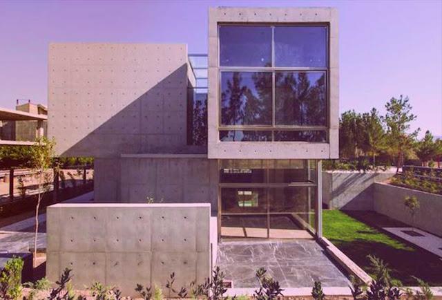 Cube House / Villa In Isfahan, Iran