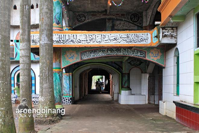 masjid pintu seribu tangerang