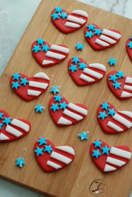 fondant american flag patriotic cupcake toppers