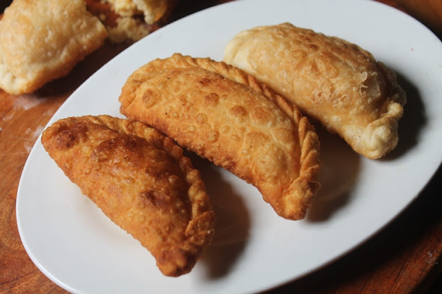 Sweet Somas Recipe - Somasi Recipe - Karanji Recipe