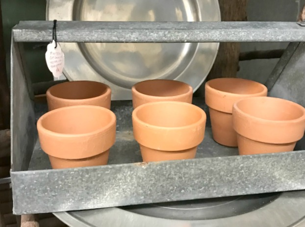 Terra cotta pot gardening tote